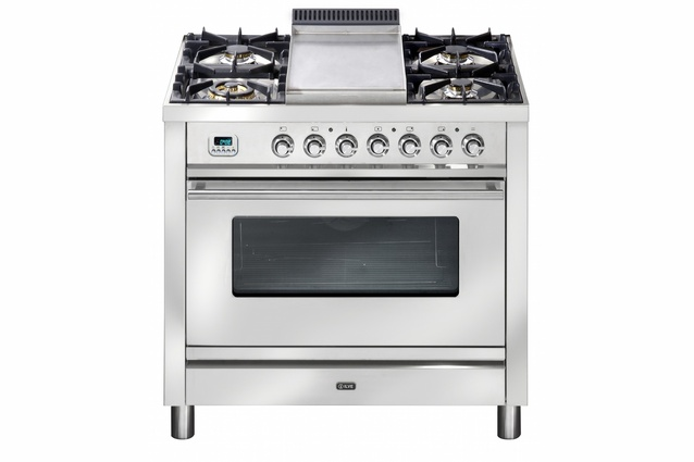 The new dual fuel gas and induction 90 cm upright oven from Ilve.