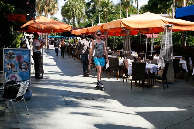 Dining al fresco is de rigueur in South Beach.