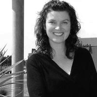 Renée  Davies