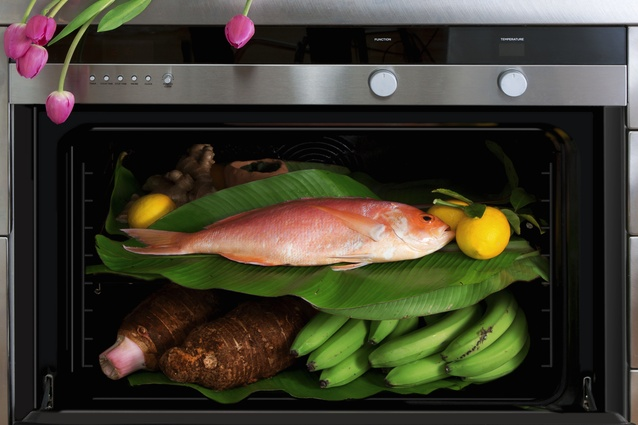 Fisher & Paykel 760mm 11 Function Pyrolytic Built-in Oven.