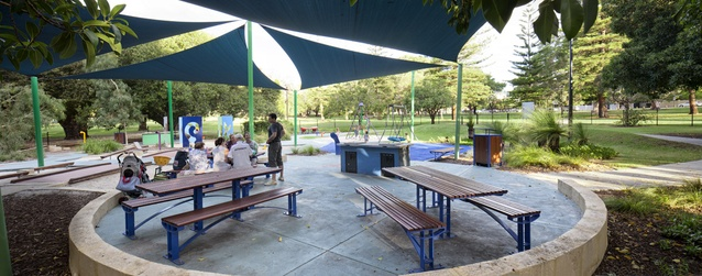 Shaded picnic and barbeque areas allow friends and families to gather in comfort.