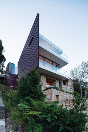 Chinaman's Beach House, Sydney, NSW, 2010: Resting on a steep cliff overlooking Sydney's Middle Harbour.