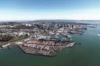 Architects oppose port expansion