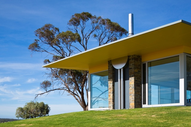 Barossa Valley Glass House by Max Pritchard Architect.