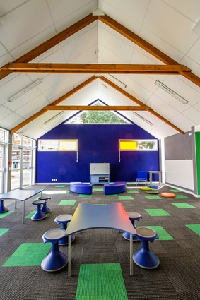 Ellerslie School, Auckland. Autex Composition acoustic panels was used for the walls and carpet tiles.