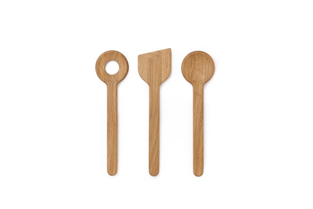 "Morten utensils (set of three) | <a href=""http://www.countryroad.com.au/product/60175151"" target=""_blank""><u> $44.90 from Country Road.</u></a>"