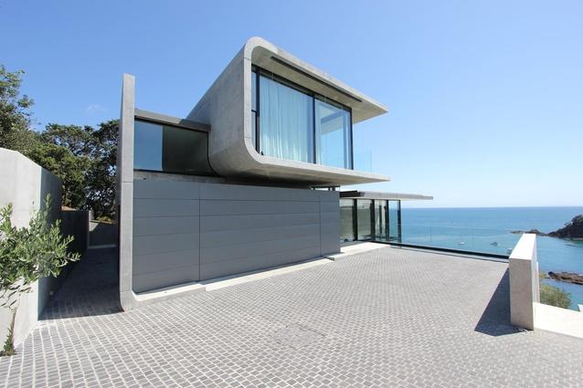 Housing Award: Hekerua Bay Residence by Archimedia Group.