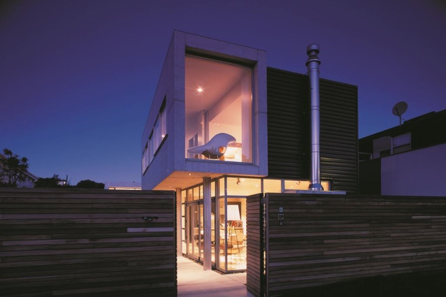 Raumati Beach House by Herriot Melhuish O'Neill Architects.
