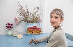 Urbis eats cake