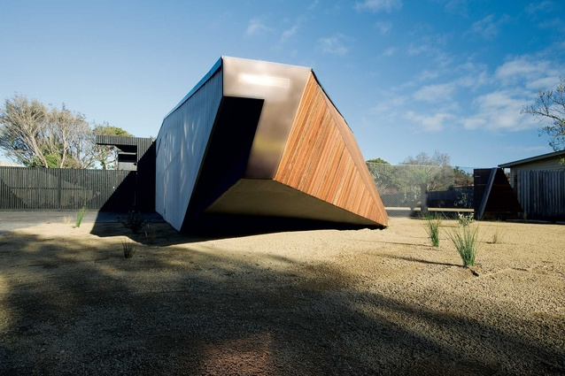 House in Mornington Peninsula, Melbourne by McBride Charles Ryan Architects.