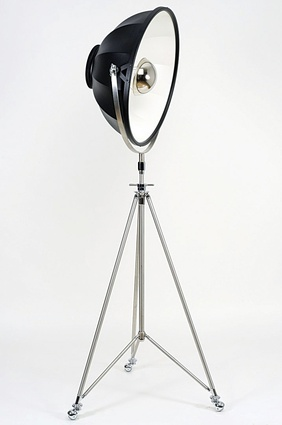Fortuny Studio lamp by Venetia Studium.