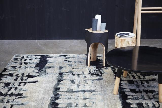 Designer rugs hare klein collection architectureau - Klein design badkuip ...