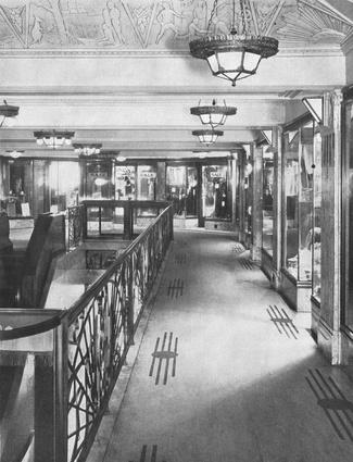 Historic photo of the mezzanine.