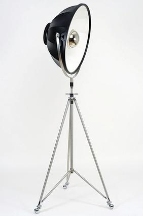 Fortuny Studio lamp by Venetia Studium.