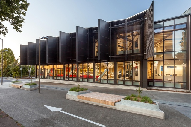 Public Architecture Award: Ruataniwha Civic Centre Kaiapoi by Warren and Mahoney. Shared pedestrian street leads to Future Rivers Walks.