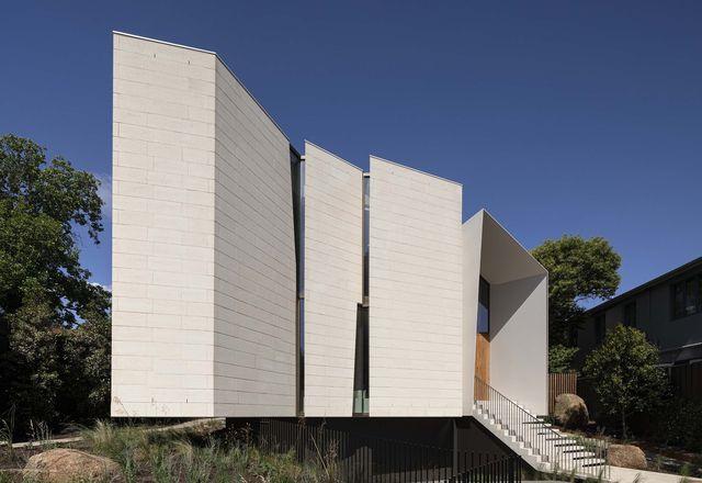 石灰石住宅满足了被动住宅和生活建筑挑战的严格要求。