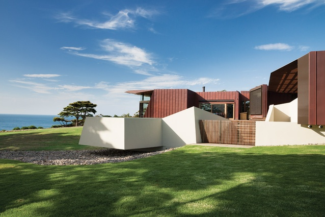 Mount eliza garden architectureau - The house of clicks the visual experiment of swedish architects ...