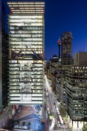 8 Chifley Square by Lippman Partnership/Rogers Stirk Harbour Partnership.