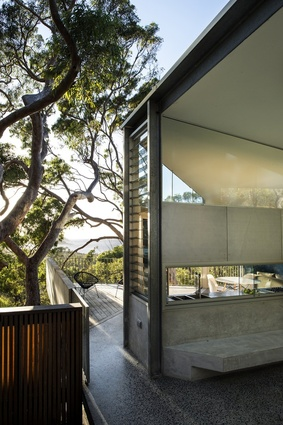 Killcare Beach Bush House by MORA - James Fraser Architect.