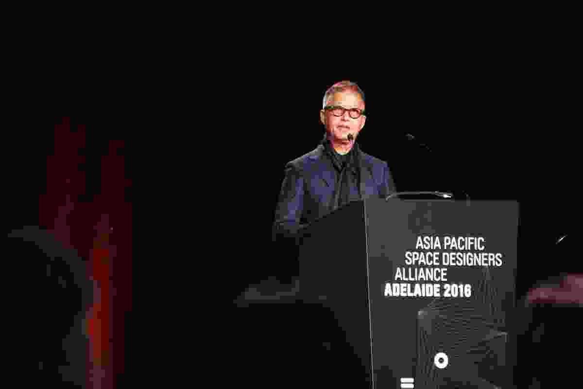 Speaker Khai Liew presents at APSDA 2016.