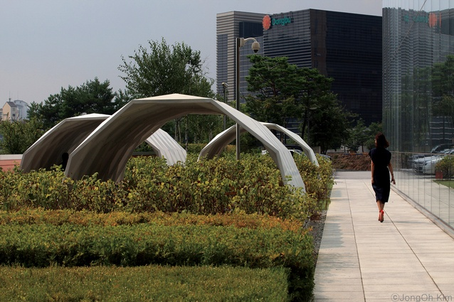 Parkkim renovated the Hanwha Data Centre's outdoor rest area with new planting and three bespoke shelters.