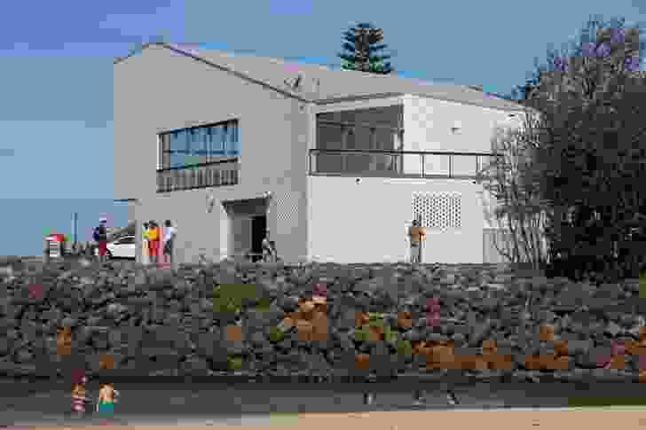 Kempsey Crescent Head Surf Life Saving Club by Neeson Murcutt Architects.