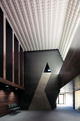 Nudgee College Tierney Auditorium – m3architecture.