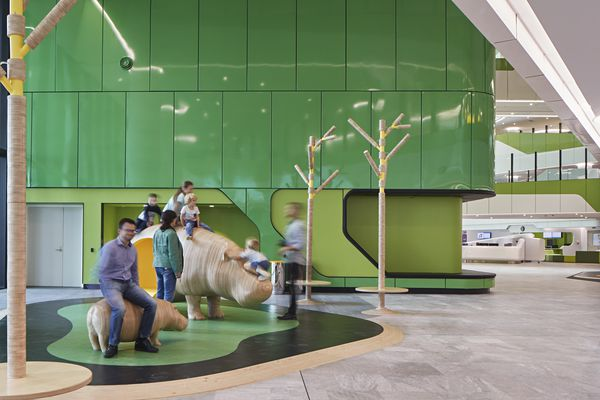 Perth Children's Hospital by JCY Architects and Urban Designers, Cox Architecture, and Billard Leece Partnership, with HKS.
