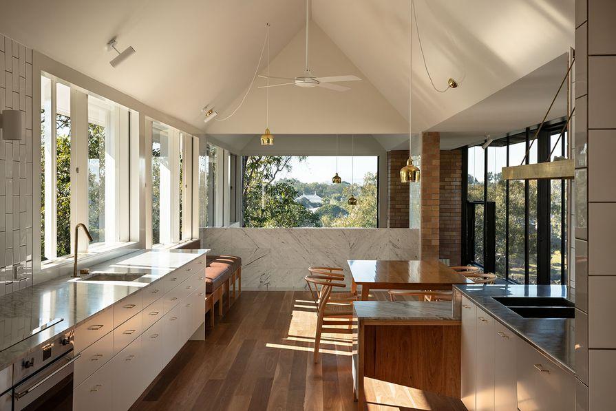 Brisbane Riverbank House by Owen Architecture.