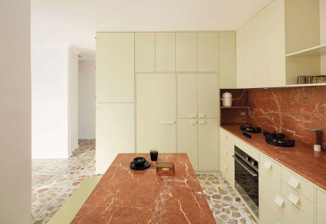不伦瑞克公寓(Brunswick Apartment),由Murray Barker和Esther Stewart设计。