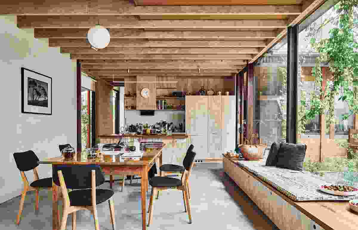 Comprised of varied shed-like spaces, North Melbourne House is personalized by the texture and colour of everyday objects.