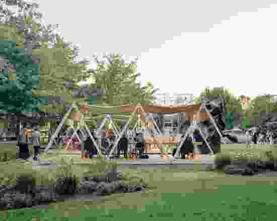 Board Grove建筑事务所设计的NGV三年展2020户外展馆