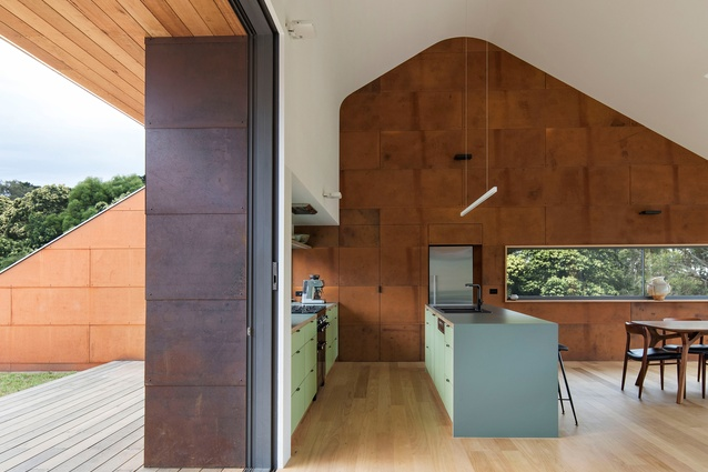 Tucks Ridge House by Adrian Bonomi, Architect.