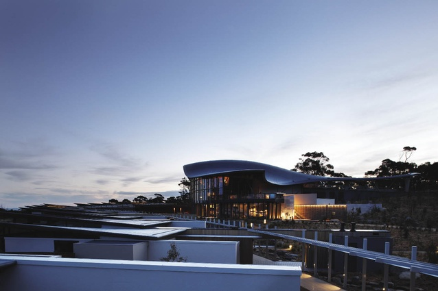 The form of the main building echoes coastal land forms, dunes, waves or sea creatures.