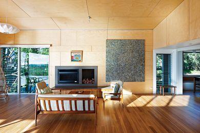 Hoop pine plywood.