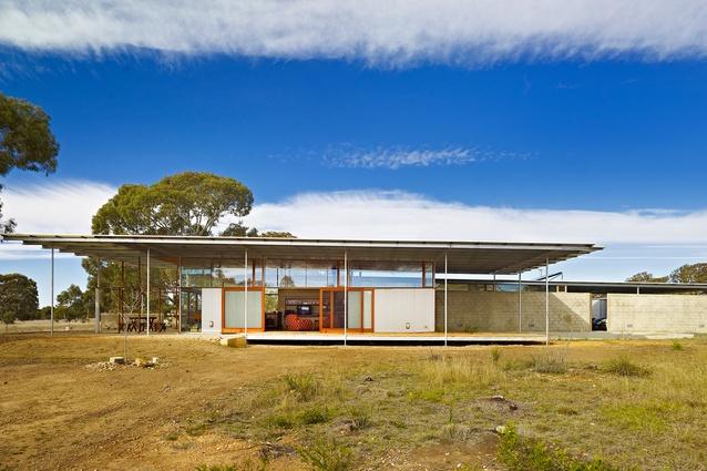 Paddock House by Peter Stutchbury Architecture.