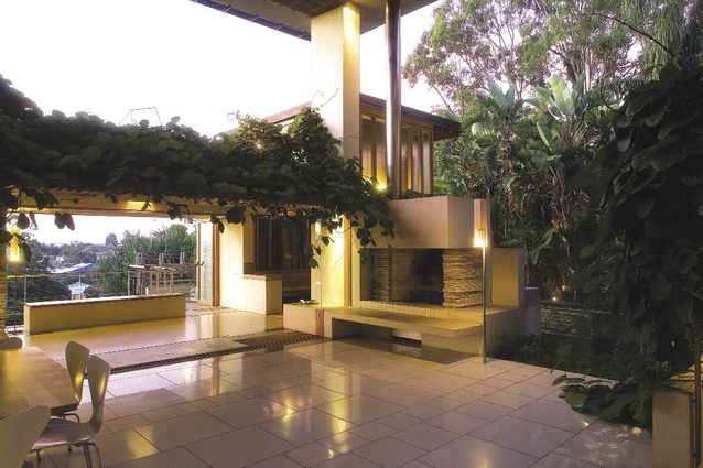Perfect C House, 1998, Brisbane, Qld: The Defining Gesture Of The Outdoor Room Pictures