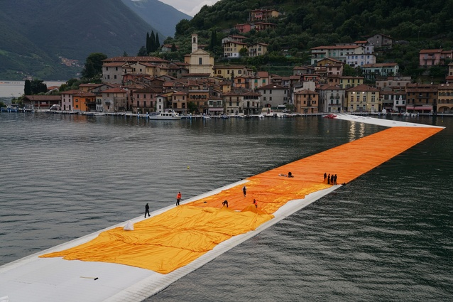 Over two days teams unfurled 100,000 square metres of shimmering dahlia-yellow fabric on the piers and pedestrian streets in Sulzano and Peschiera Maraglio.