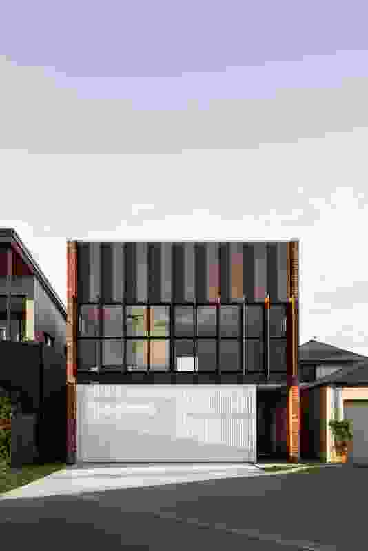 Picard (WA) by David Barr Architects in association with Ross Brewin Architect.
