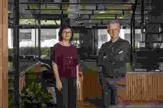 莎拉·巴克里奇和汤姆·乔丹。
