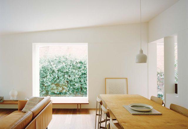 JJ House是在一个困难的类型中考虑更新的一个很好的例子。