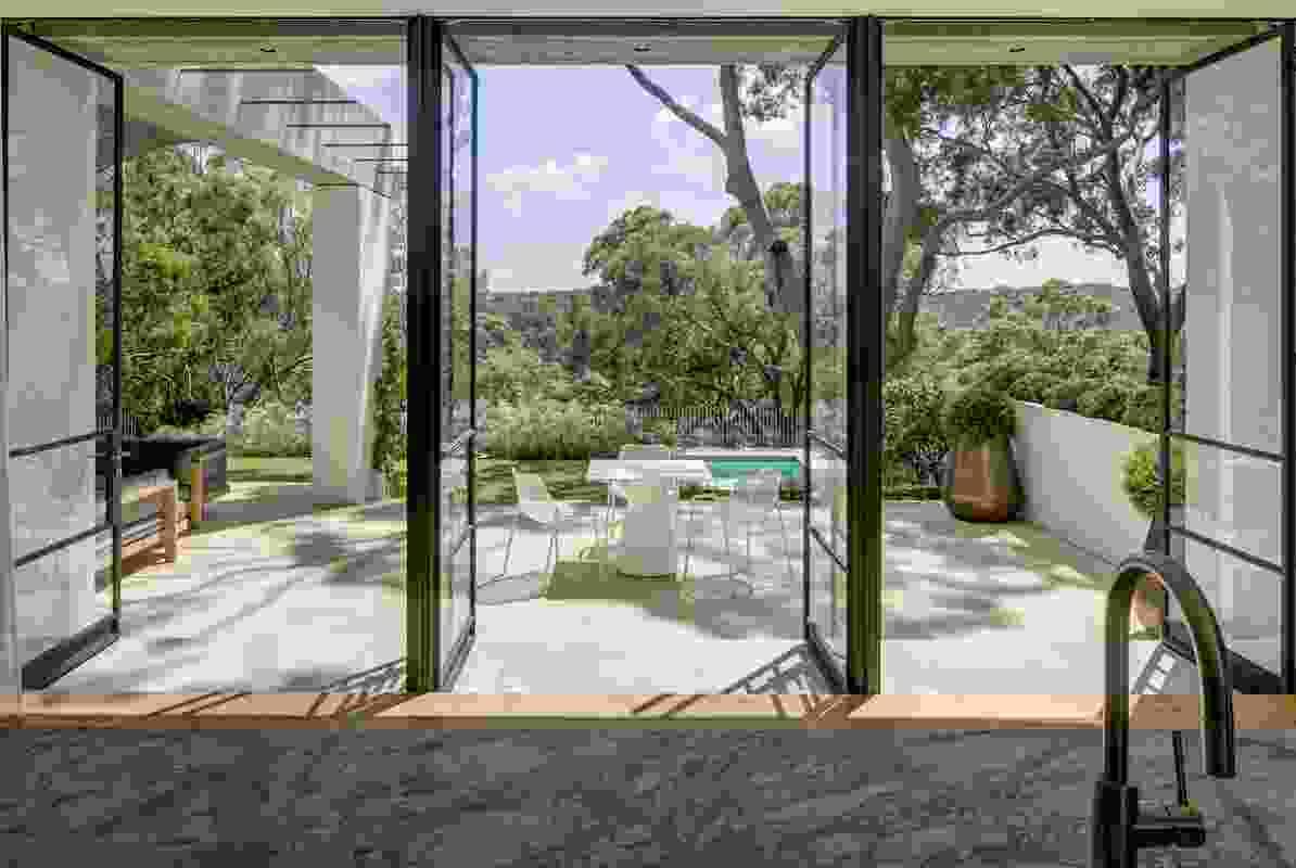 Castlecrag by Polly Harbison Design with Bates Landscape.