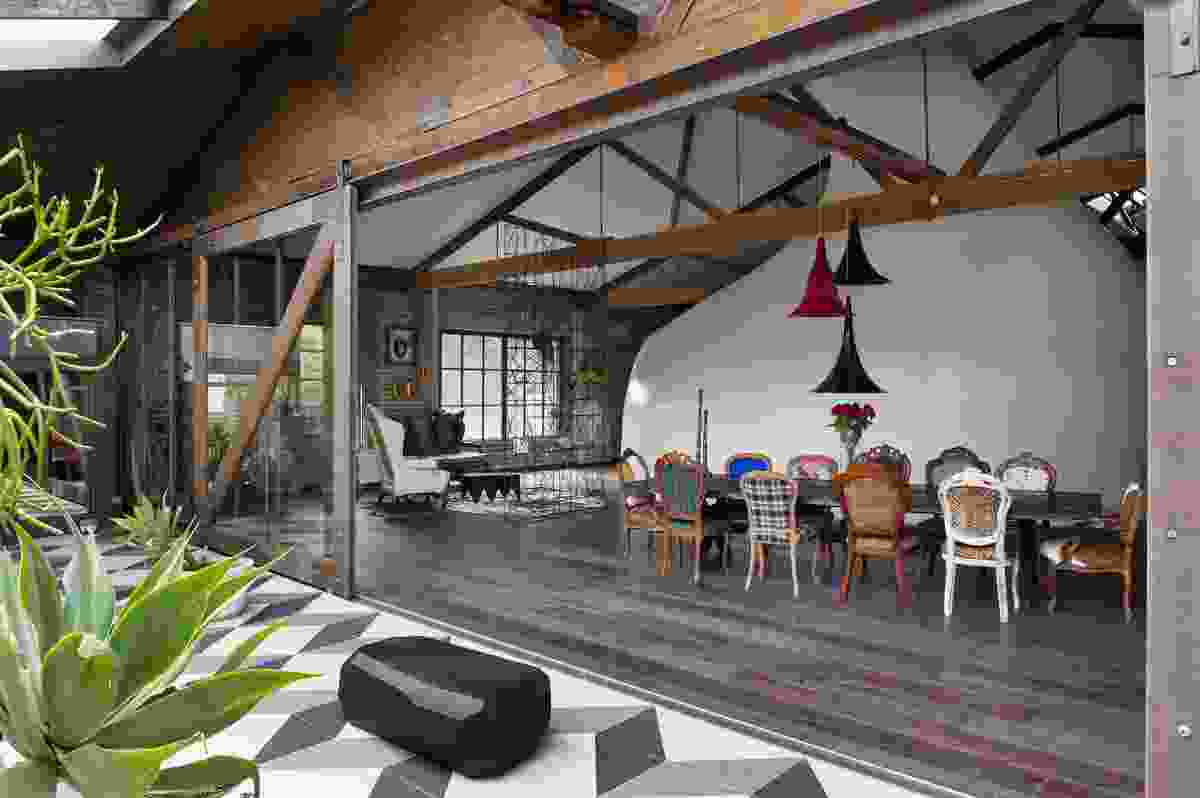 Inner City Warehouse by Allen Jack+Cottier.
