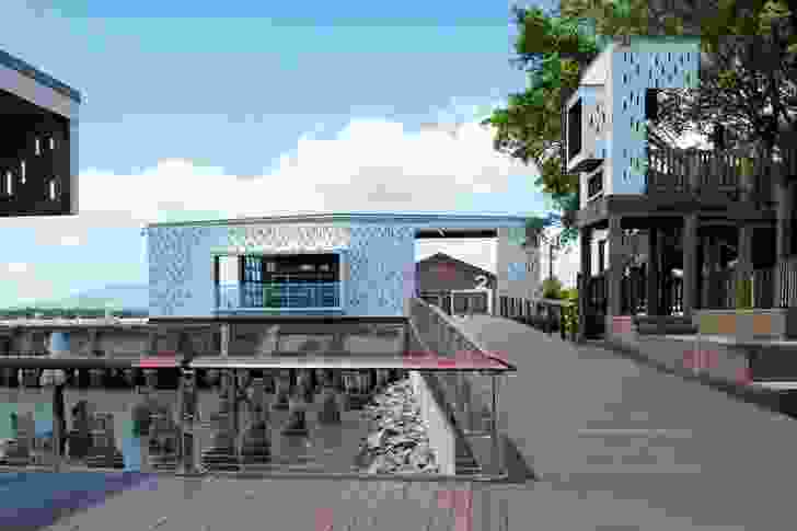 Cairns Foreshore Redevelopment by CA Architects & Cox Rayner Architects in association with O'Neill Architecture.