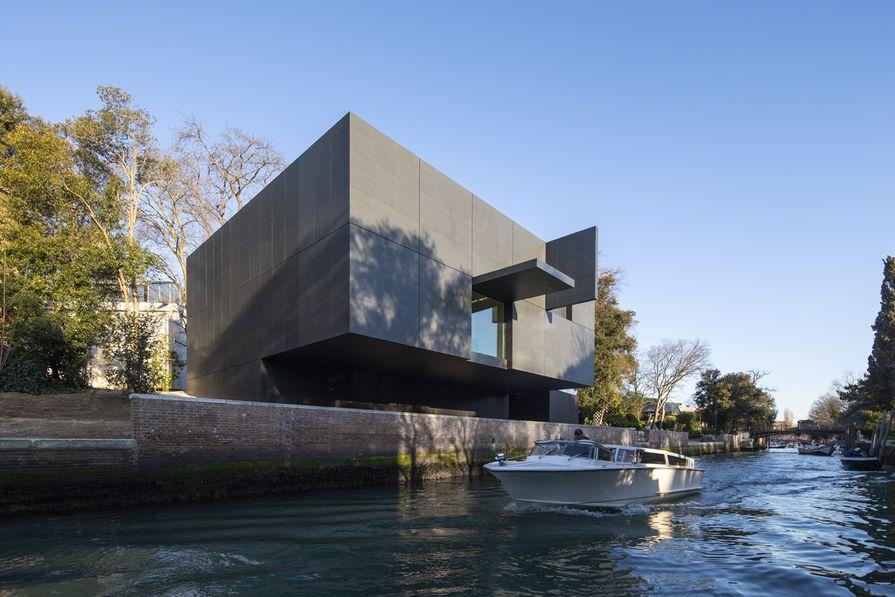 The new Australian Pavilion at the Giardini in Venice by Denton Corker Marshall.
