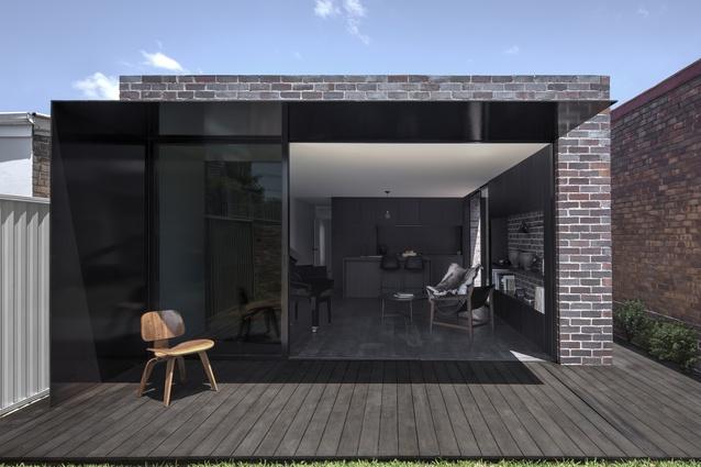 Llewellyn House by Studioplusthree.