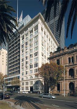The Astor, Macquarie Street, Sydney, 1923, by Donald Thomas Esplin and Stuart Mill Mould. Image: Eric Sierins, 2006.