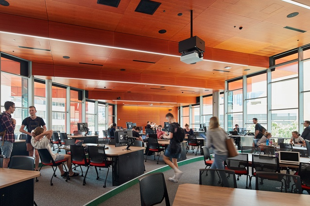 NeW Space by Lyons Architecture and EJE Architecture provides individual study spaces as well as collaborative learning spaces.