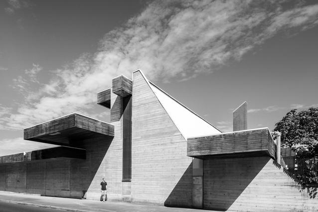 The Australian War Memorial Annex by Enrico Taglietti.