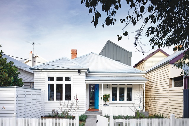 The original cottage frontage was retained to a depth of two rooms, as a gesture to the existing streetscape.
